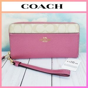 COACH Accordion Zip Wallet Wristlet Rouge